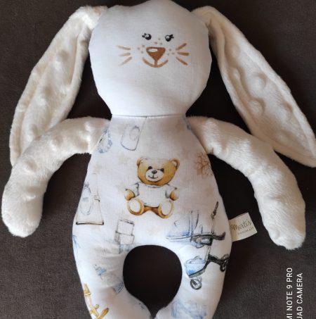 Бяло малко зайче