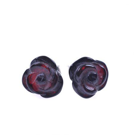 Кехлибарени рози черна череша - малки, нежни обици на винтче от полиран кехлибар